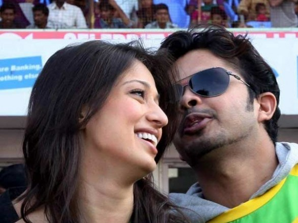 lakshmi-rai-love-making-with-sreesanth-2