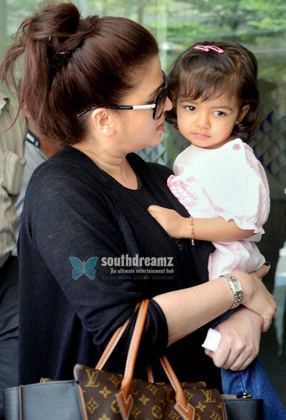 Actress Aishwarya Rai Bachchan and her daughter Aaradhya Why so serious, Aaradhya?