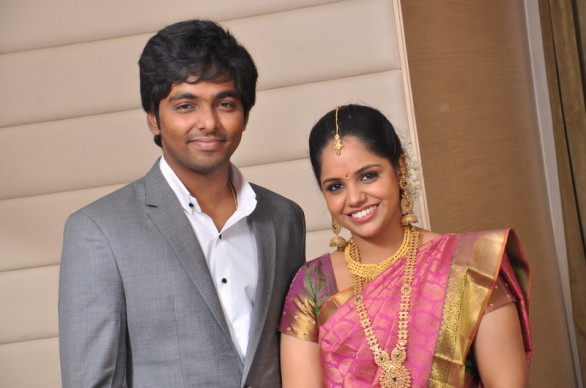 music director gv prakash kumar saindhavi engagement photos 5 586x388 GV Prakash Kumar, Saindhavi gets engaged