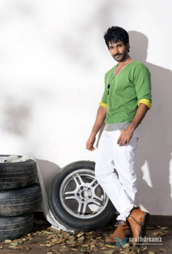 tamil-actor-aadhi-photoshoot-stills-1
