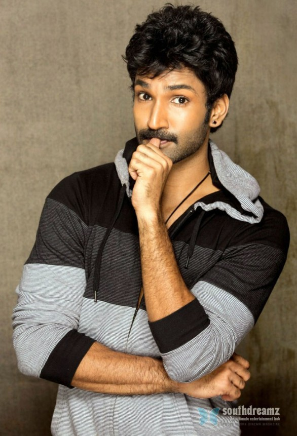 tamil-actor-aadhi-photoshoot-stills-24