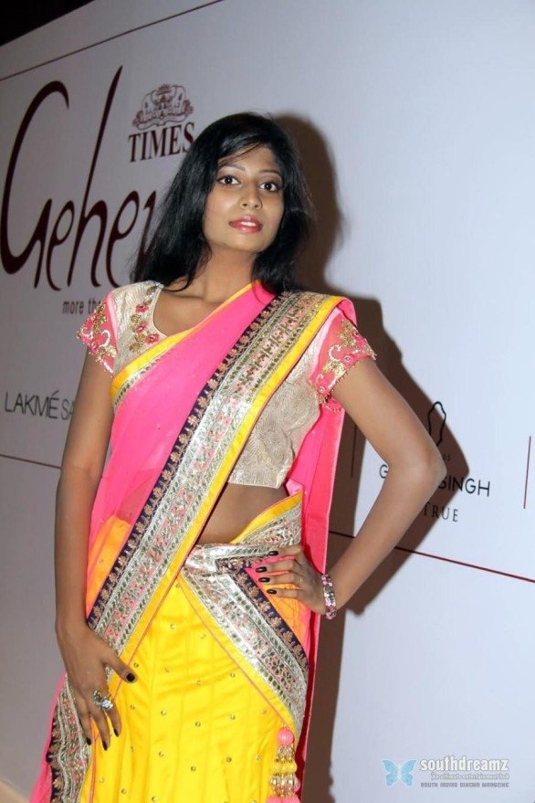 hyderabad-model-manasa-at-gehana-fashion-show-photos-18