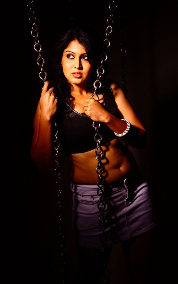 tamil-actress-sheryl-pinto-sexy-stills-11