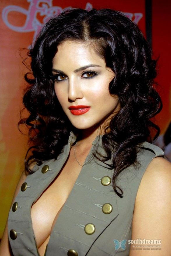exclusive-photos-of-sunny-leone-hot-sensuous-rare-private-and-personal-34