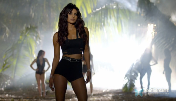 hot-and-sexy-hindi-actress-priyanka-chopra-exotic-video-outfit-7