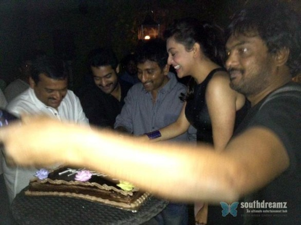 sexy-indian-actress-kajal-agarwal-unseen-private-life-photo-39