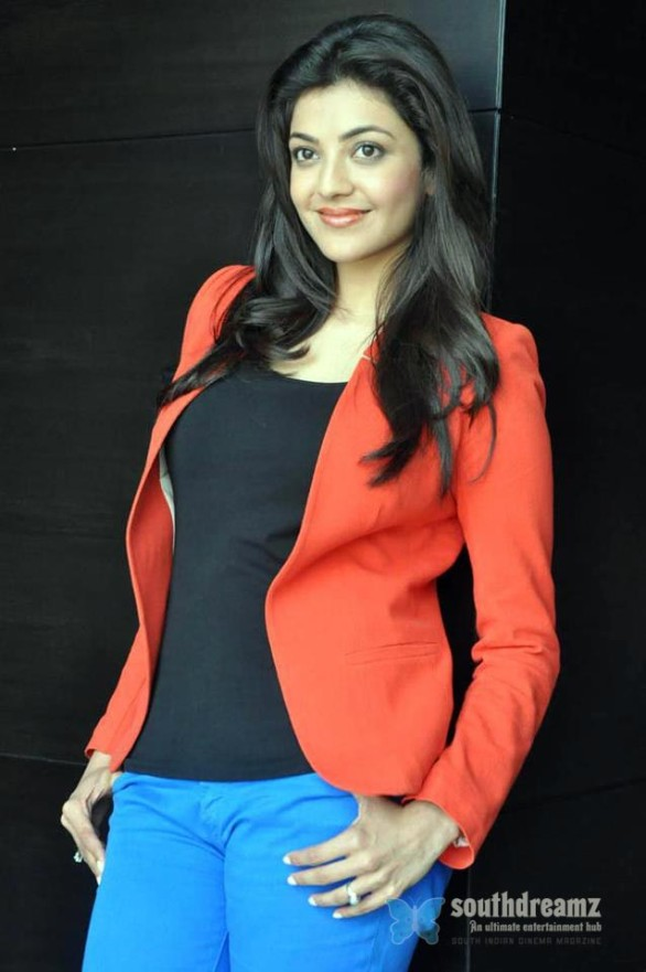 sexy-indian-actress-kajal-agarwal-unseen-private-life-photo-41