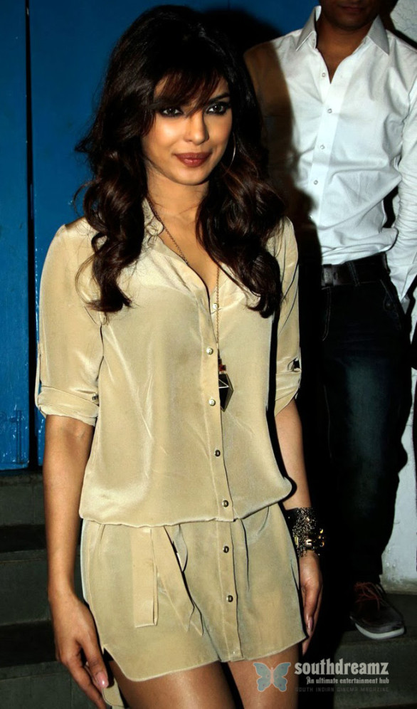 Priyanka-Chopra-Hot-Stills-In-Short-Dress-4