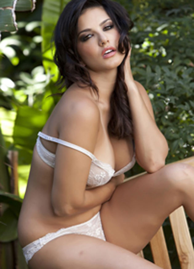 indian adult star sunny leone sexy photos 12 South Indian Cinema