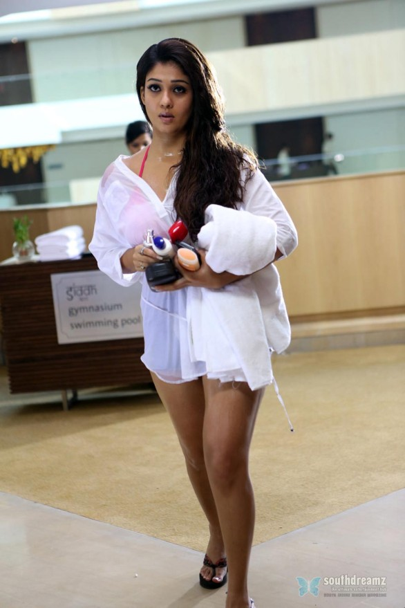 Nayanthara-Hot-Photo-Stills-in-Aarambam-17