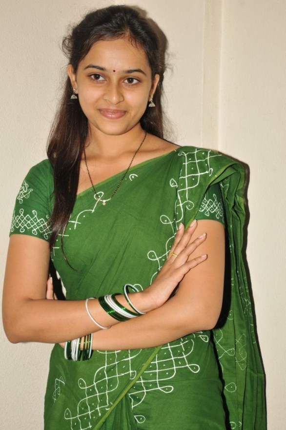 sri-divya-stills-in-mallela-theeram-lo-sirimalle-puvvu-movie-2