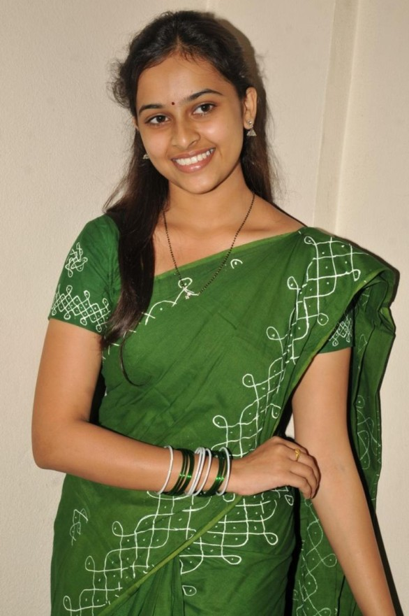 sri-divya-stills-in-mallela-theeram-lo-sirimalle-puvvu-movie-3