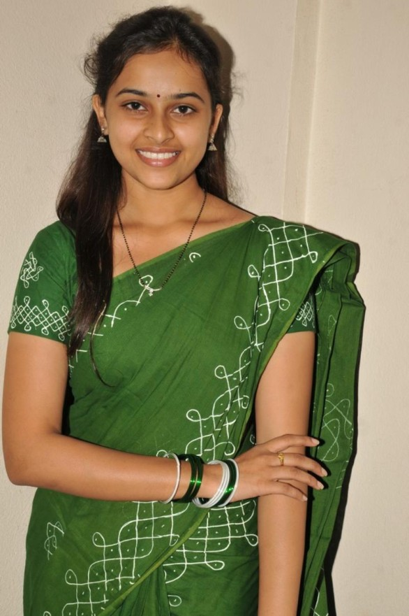 sri-divya-stills-in-mallela-theeram-lo-sirimalle-puvvu-movie-4