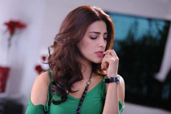 Latest-Shruti-Haasan-Stills-3