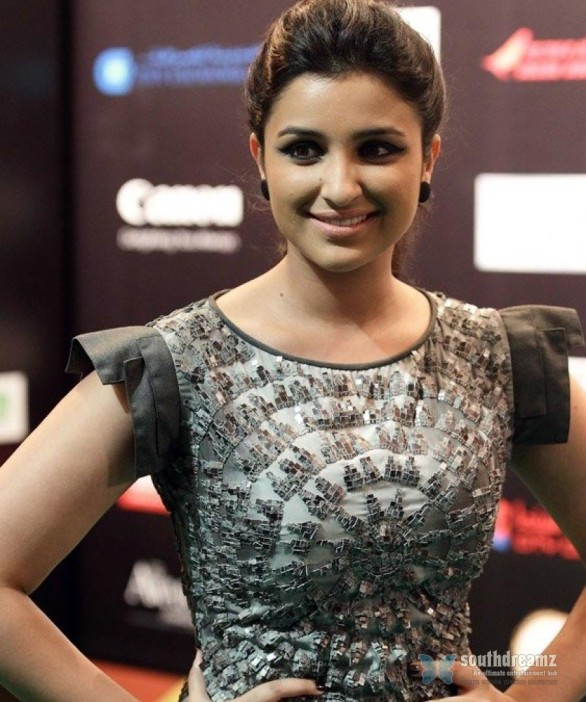 parineeti-chopra-wants-settle-in-banking-career-4