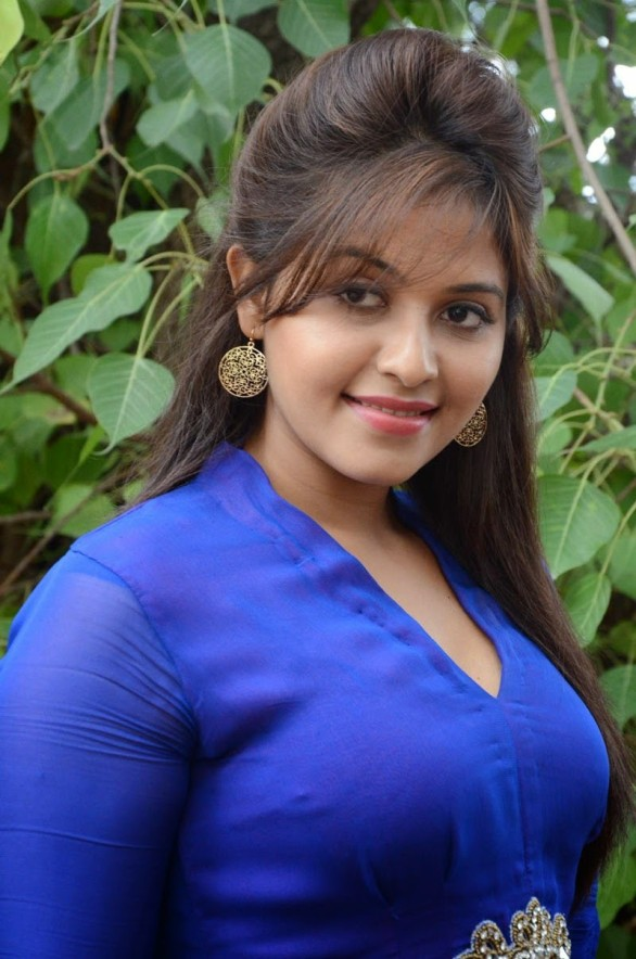 actress-anjali-geethanjali-photoshoot-stills-1
