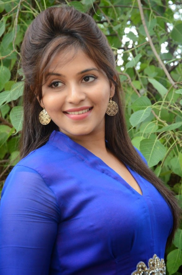 actress-anjali-geethanjali-photoshoot-stills-8