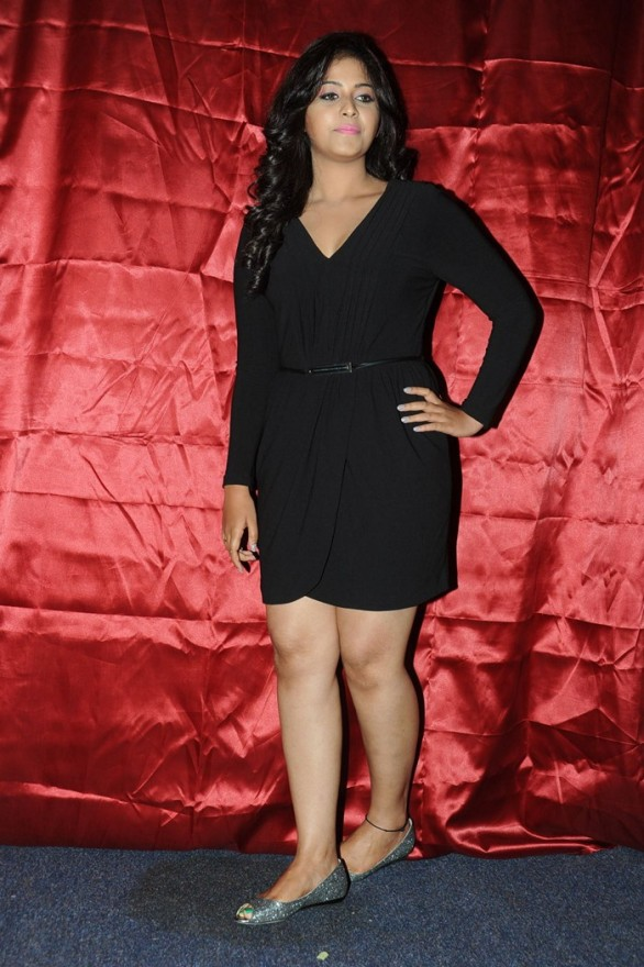 hot tamil actress Anjali late night party photos leaked 18