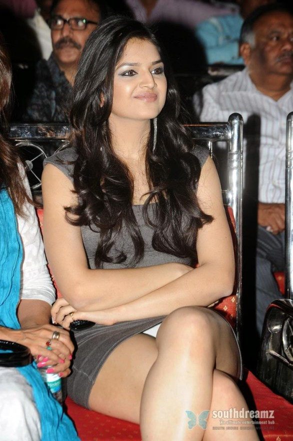 south-indian-glamour-actress-3
