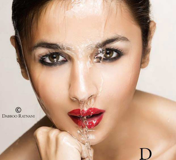 Alia-Bhatt-Drenched-In-Water