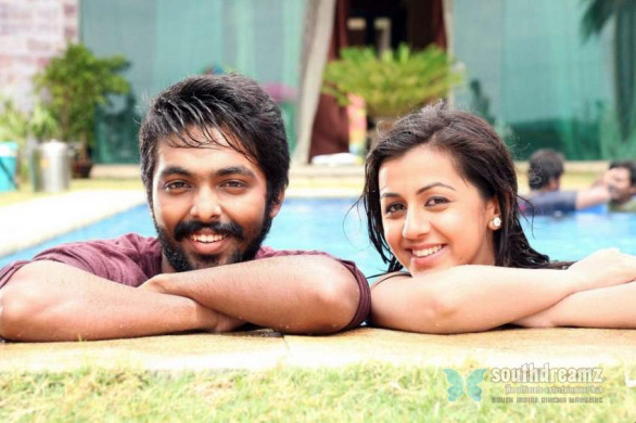 GV-Prakash-Nikki-Galrani-Darling-Tamil-Movie-Stills-6