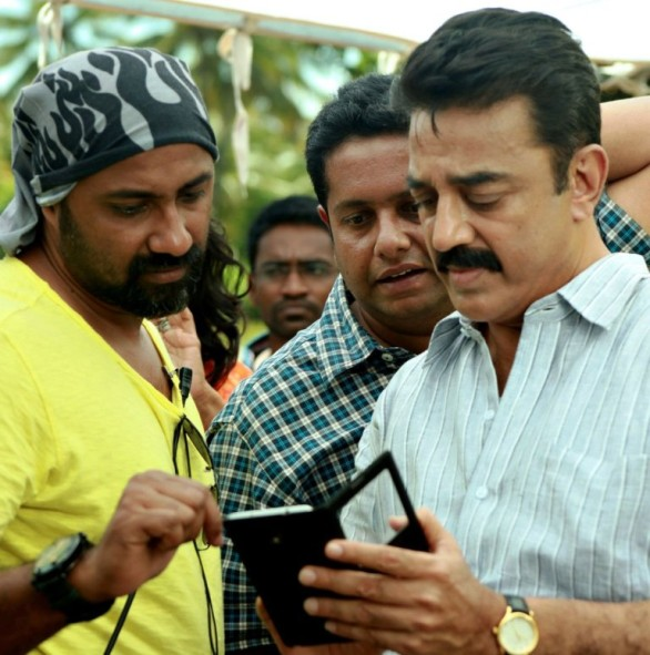 Actor Kamal Haasan and Director Jeethu Joseph in Papanasam Movie Stills