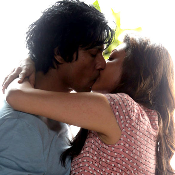 Kajal Aggarwal and Randeep Hooda's kissing still in 'Do Lafzon Ki Kahani' This is being said the first on-screen kiss of the couple which has been sensationalized.