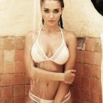 Amy Jackson's Bikini photos break the Internet
