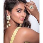 Pooja Hegde wants to change her profession, wishes to be a Christmas caroler